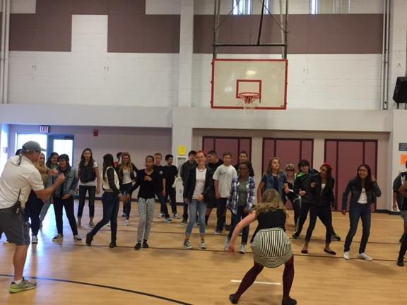 OUTSIDERS DAY DANCING